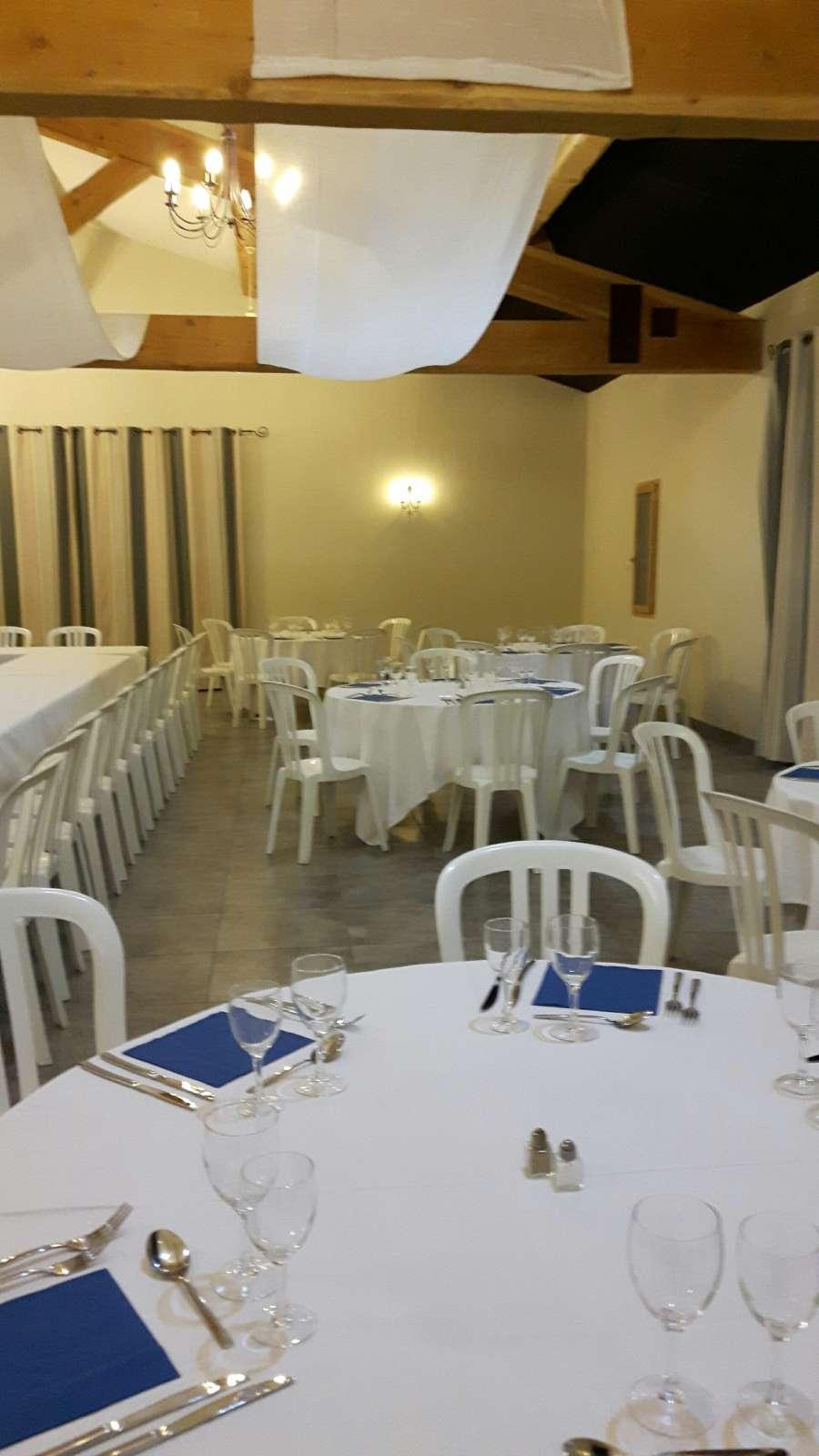 Location de salle pour repas d 39 association saint r my de provence salle de mariage saint - Association salon de provence ...